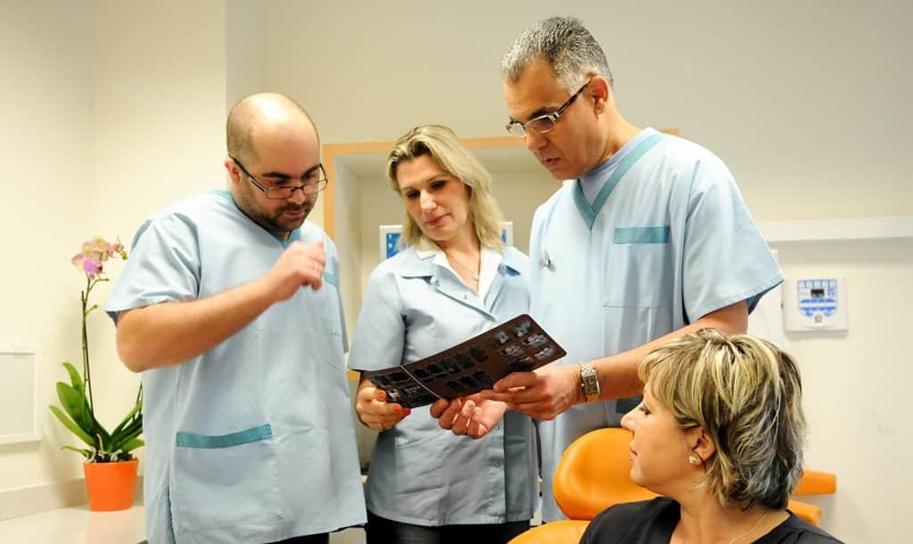 """ד""""ר אבי בביוב, צוות המרפאה, רפואת מומחים"""